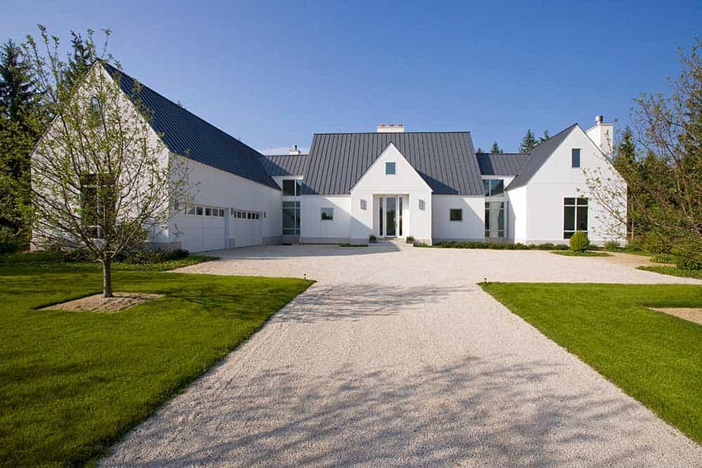 contemporary-European-farmhouse